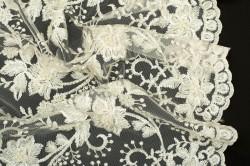 Гипюр с вышивкой и бисером - 13166 фото №2
